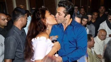 Salman kissed Jacqueline